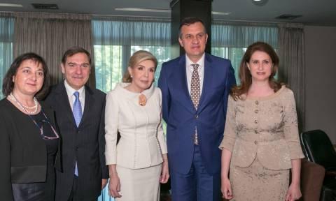 Ο Πρόεδρος της Αλβανίας απένειμε στην  Μ.Βαρδινογιάννη το Μετάλλιο «Μητέρα Τερέζα»