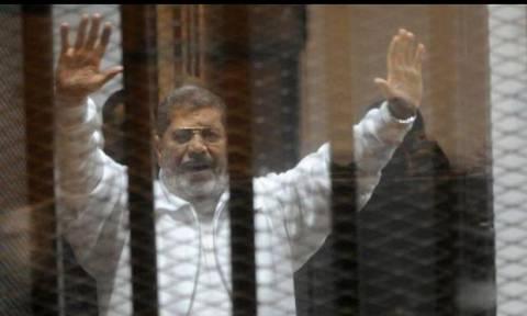 Η Ε.Ε. ελπίζει σε αναθεώρηση της καταδικαστικής απόφασης κατά του Μόρσι