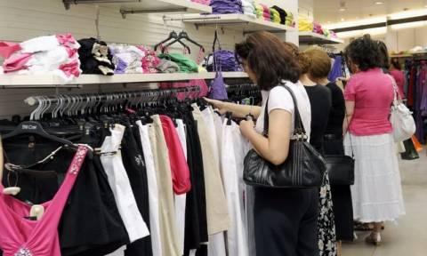 Τι σχεδιάζουν οι εμποροϋπάλληλοι για την κυριακάτικη αργία και την κλαδική σύμβαση