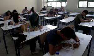 Πανελλήνιες 2015: Η πρώτη μέρα των εξετάσεων μέσα από το φωτογραφικό φακό