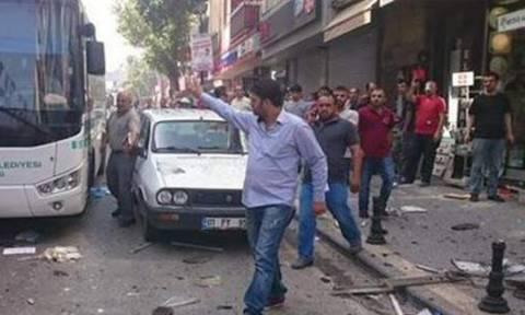 Τουρκία: Εκρήξεις στα γραφεία φιλοκουρδικού κόμματος (video)