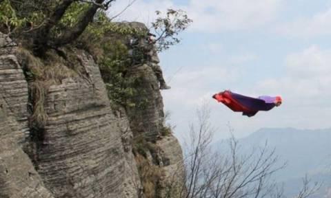 Σκοτώθηκε διάσημος αθλητής extreme sport ενώ επιχειρούσε άλμα