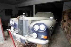 Τα αυτοκίνητα της τέως βασιλικής οικογένειας έγιναν... μνημεία! (photos)