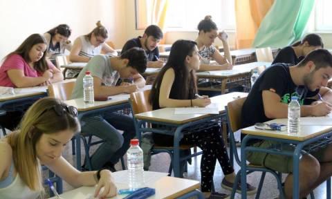 Πανελλήνιες 2015: Με Νεοελληνική Γλώσσα ξεκινούν οι εξετάσεις στα ΕΠΑΛ (Ομάδα Α΄)