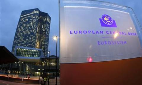 Handelsblatt: Η ΕΚΤ επιθυμεί να συνεχίσει να στηρίζει την Ελλάδα