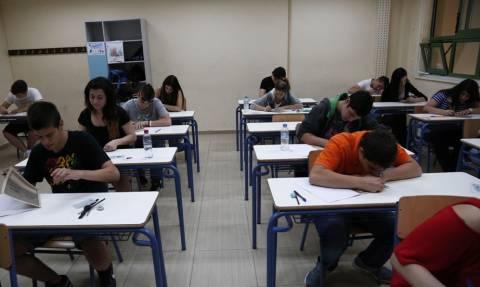 Πανελλήνιες 2015: Η αποτίμηση της πρώτης ημέρας των Πανελλαδικών εξετάσεων