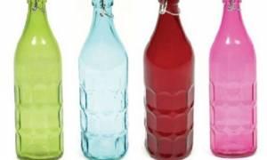 Αυτό είναι το κόλπο για να απαλλαχτείτε από την άσχημη μυρωδιά που έχουν τα γυάλινα μπουκάλια