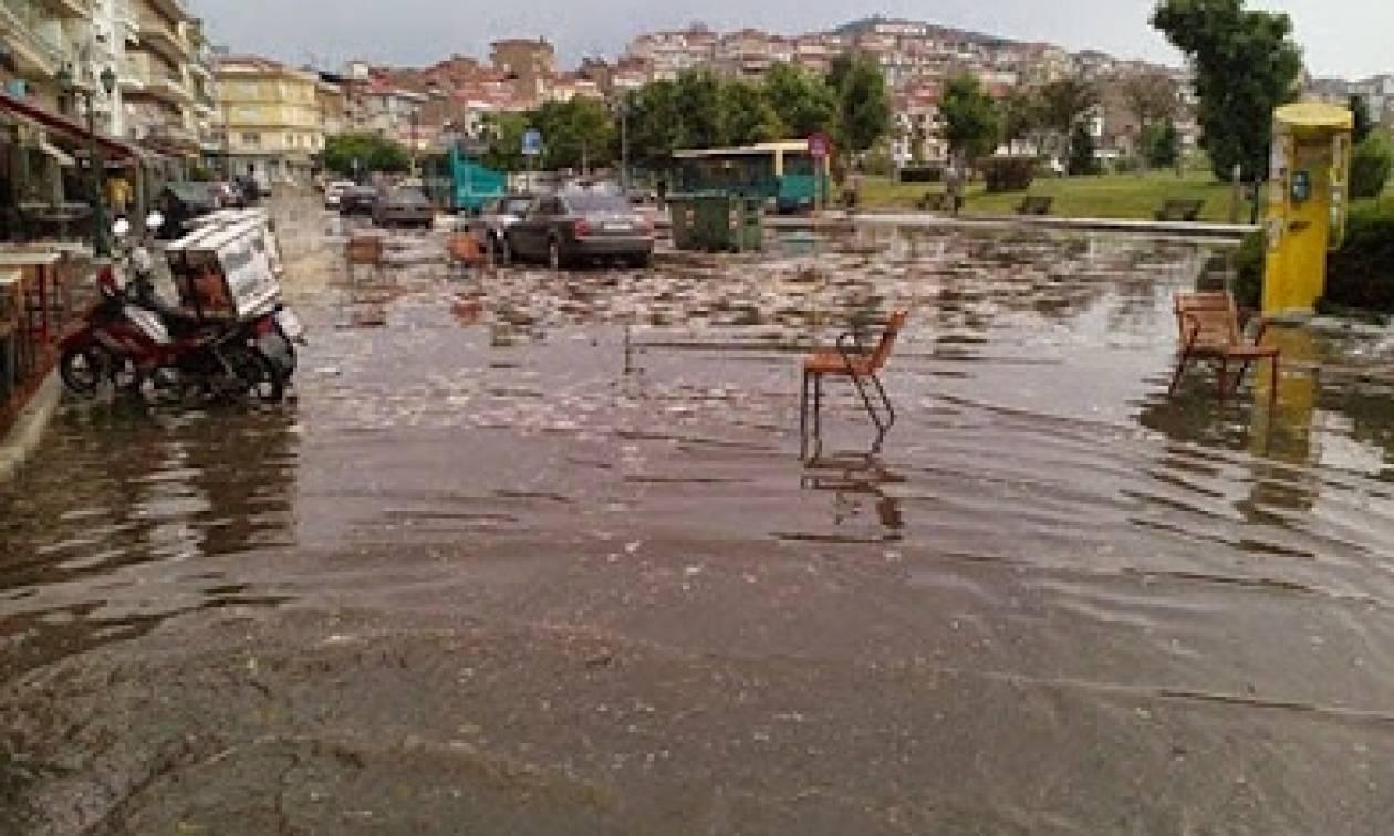 Πλήθος προβλημάτων από το ξαφνικό μπουρίνι σε Καστοριά και Κοζάνη