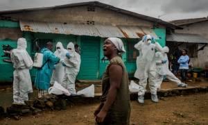 Παγκόσμιος Οργανισμός Υγείας: «Δεν θα ξεμπερδέψουμε εύκολα με τον Έμπολα»