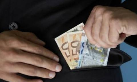 Ρέθυμνο: «Μαϊμού» υπάλληλοι της Περιφέρειας αποσπούν χρήματα από επιχειρηματίες
