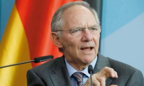 Τρομοκρατία Σόιμπλε: Δεν μπορώ να αποκλείσω χρεοκοπία της Ελλάδας