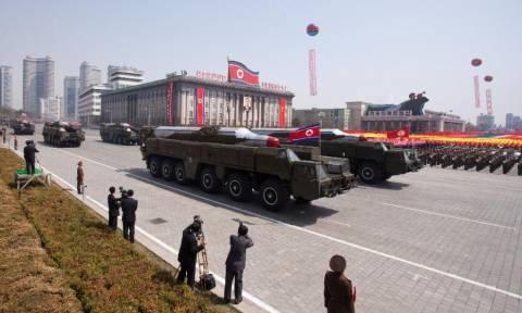 Βόρεια Κορέα: Νέα απειλή με «μίνι» πυρηνικές κεφαλές