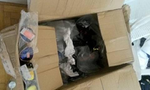 Διαμέρισμα στην Αθήνα έκρυβε 16.000 προϊόντα «μαϊμού»