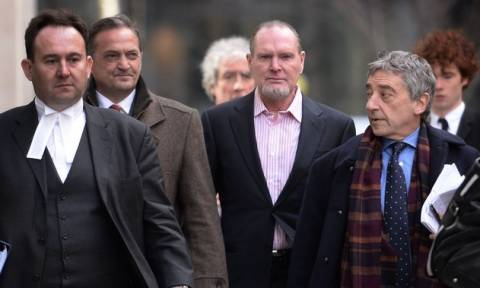Βρετανία: Βαριά «καμπάνα» στη Mirror για το σκάνδαλο υποκλοπών
