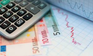 Σκληρή «μάχη» στις διαπραγματεύσεις με επίκεντρο το ΦΠΑ (vid)