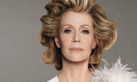 Μα, δεν μεγαλώνει; Η 77χρονη Jane Fonda είναι πιο όμορφη από ποτέ στο εξώφυλλο του W