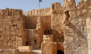 Η σημαία του Ισλαμικού Κράτους κυματίζει στην ακρόπολη της Παλμύρας