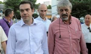 Παρέμβαση Καλφαγιάννη στην ομιλία Τσίπρα για ΕΡΤ – Αποδοκιμάστηκε και αποχώρησε (video)