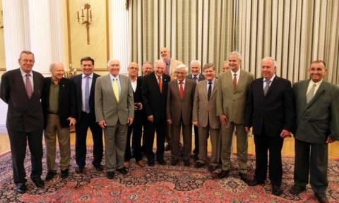 Συνάντηση Π. Παυλόπουλου με βετεράνους μπασκετμπολίστες
