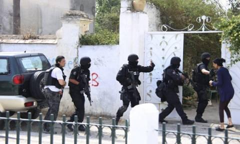 Τυνησία: Ψυχολογικά προβλήματα είχε ο δράστης που άνοιξε πυρ σε στρατόπεδο – 7 νεκροί (video)