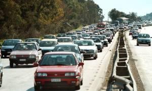 Δείτε ποιοι φόροι αλλάζουν στα αυτοκίνητα – Όλες οι αλλαγές για τα τέλη κυκλοφορίας