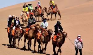 Διασχίζοντας την έρημο σαν… τουρίστας (Photos)