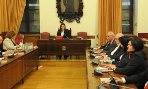 Live στη Βουλή - Ενώπιον της Εξεταστικής Επιτροπής για τα Μνημόνια οι πρώτοι μάρτυρες