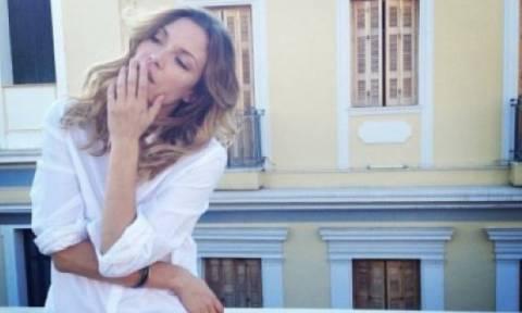 Wow! Η Βίκυ Καγιά αποκαλύπτει το όνομα της κόρης της με τον πιο ιδιαίτερο τρόπο