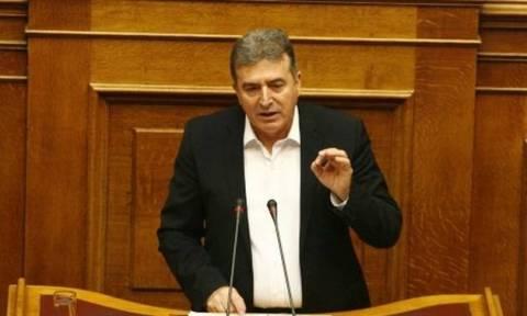 Χρυσοχοΐδης: Διαψεύδει τα περί προσχώρησης στη ΝΔ