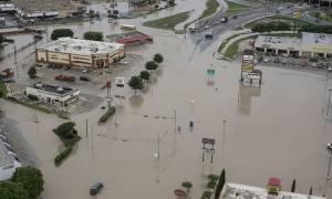 Χάος στο Τέξας και την Οκλαχόμα - Αυξάνεται ο αριθμός των νεκρών από τις πλημμύρες (photos)