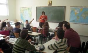 Επανέρχονται οι απολυμένοι εκπαιδευτικοί - 2.413 οργανικές θέσεις