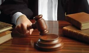 Αναβολή στη δίκη σωφρονιστικών υπαλλήλων κατηγορούμενων για το θάνατο Αλβανού κρατούμενου