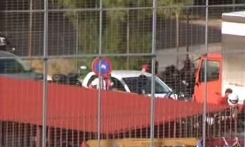 Ξύλο μεταξύ οπαδών Ολυμπιακού - Παναθηναϊκού (video)