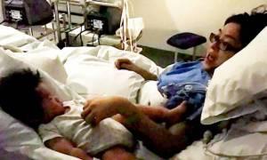 Μωρό-«θαύμα»: Κοιμήθηκε δίπλα στη μητέρα του και γιάτρεψε την καρδιά της