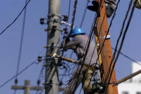 Κακοκαιρία: Προβλήματα ηλεκτροδότησης στα βόρεια προάστια της Αττικής λόγω των καταιγίδων