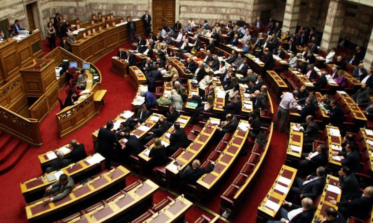 Βουλή: Ένταση στην Εξεταστική με τη δημοσιοποίηση του κειμένου της συμφωνίας κυβέρνησης και EFSF