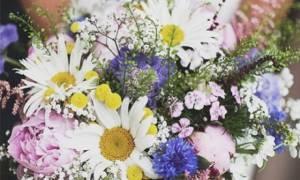 Παντρεύεσαι; Δες τις πιο όμορφες γαμήλιες ανθοδέσμες που βρήκαμε για εσένα
