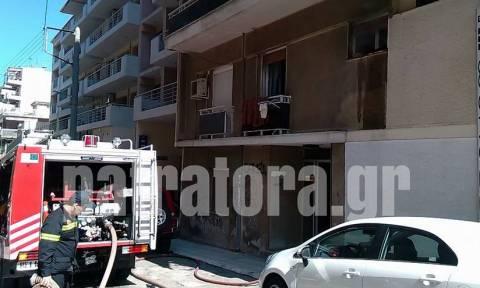 Πάτρα: Στις φλόγες διαμέρισμα – Κινδύνεψαν μητέρα και γιος