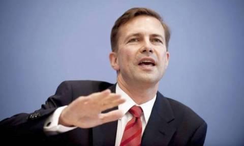 Eκπρόσωπος Καγκελαρίας: Επιθυμία του Βερολίνου η Ελλάδα να μείνει στην Ευρωζώνη