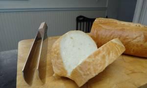 Καναδός έφτιαξε μαχαίρι για το τέλειο σάντουιτς (video)