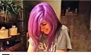 Η νέα απορία στο internet: Τι χρώμα είναι τα μαλλιά της; (video)