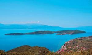 Το «κρυμμένο» νησάκι 40 χιλιόμετρα μακριά από την Πάτρα (photos)