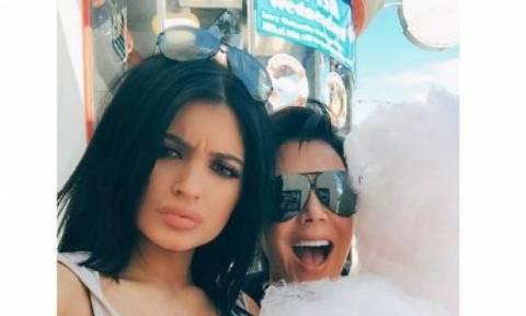 Έλεος πια: Το βέτο που έθεσε η Kris Jenner στην κόρη της, Kylie, θα σας εξοργίσει!
