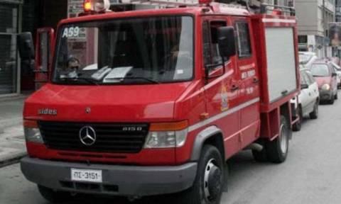 Μολότοφ σε πυροσβεστικό όχημα στην Αθήνα