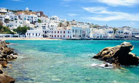 Telegraph: Δίνει …ψήφο εμπιστοσύνης σε εννέα ελληνικά νησιά!