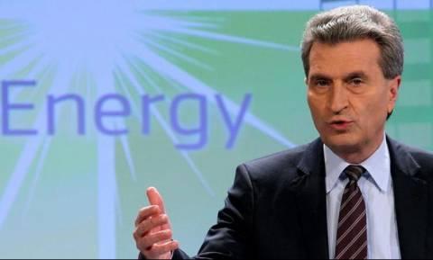 Έτινγκερ: Πιθανή και μέσα στην εβδομάδα η επίτευξη συμφωνίας ανάμεσα σε Ελλάδα και πιστωτές