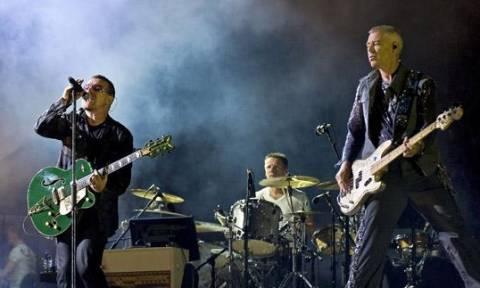 Οι U2 στο πλευρό των Ελλήνων