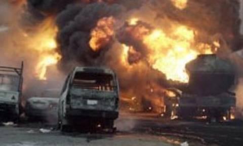 Τραγωδία στη Νιγηρία: Βυτιοφόρο προσέκρουσε σε στάση λεωφορείου – Δεκάδες κάηκαν ζωντανοί (video)