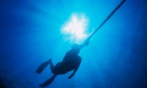 Κρήτη: Με το πρώτο φως της ημέρας θα συνεχιστούν οι έρευνες για τον ψαροντουφεκά