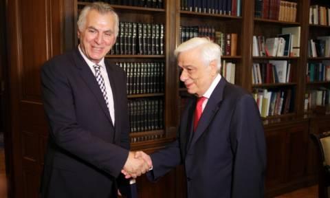 Συνάντηση Παυλόπουλου με τον δήμαρχο Περιστερίου